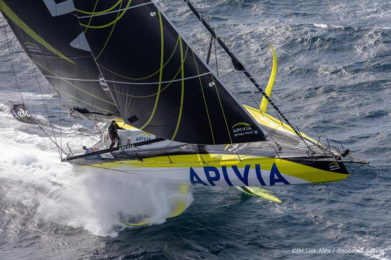 Charlie Dalin on Apivia takes the lead in the Vendée Globe - photo © J.M.Liot / Apivia / #VG2020