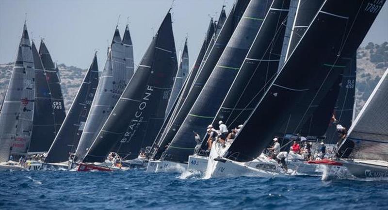 Fast coastal race prepares fleet for final day showdown at ...