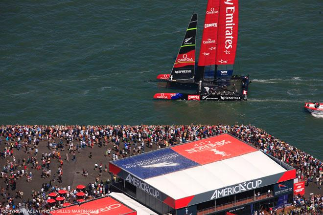 07/09/2013 - San Francisco (USA,CA) - 34th America's Cup - Oracle vs ETNZ; Day 1 Racing © ACEA - Photo Gilles Martin-Raget http://photo.americascup.com/