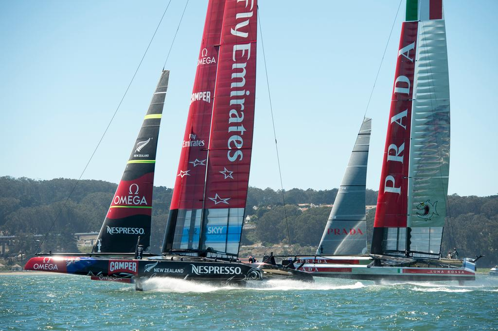 Emirates Team New Zealand's AC72, NZL5 runs race drills with Luna Rossa in their build up to meet Oracle Racing in the America's Cup. 30/8/2013. © Chris Cameron/ETNZ http://www.chriscameron.co.nz