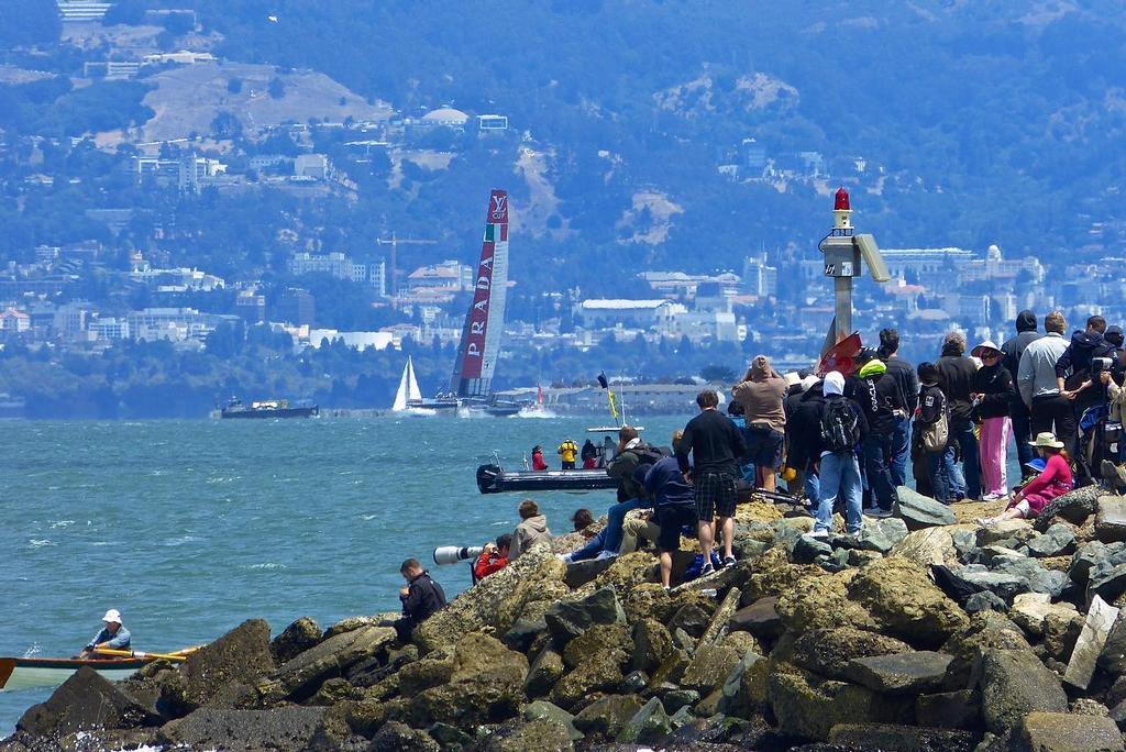 Fan on the shore, Semi-Final, Louis Vuitton Cup, San Francisco August 7, 2013 © John Navas