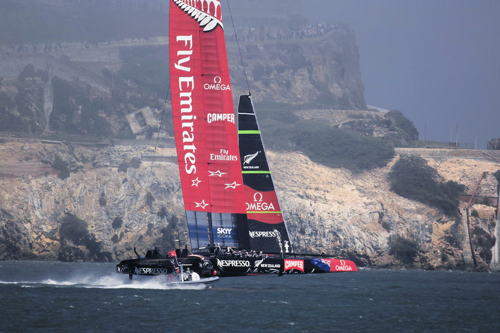Emirates Team NZ full speed ahead - 34th America's Cup © Chuck Lantz http://www.ChuckLantz.com
