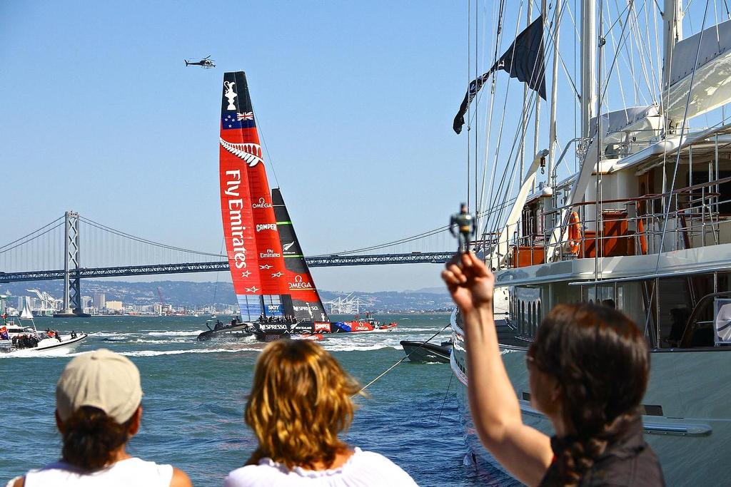 . America's Cup Day 4, San Francisco. Emirates Team NZ heads for her base after race 7 © Richard Gladwell www.photosport.co.nz