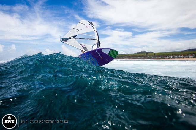 What an experience to get Ho'okipa to yourself and have Si Crowther as your personal photographer © Si Crowther / AWT http://americanwindsurfingtour.com/