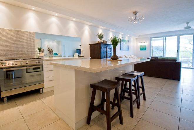 Poinciana apartments offer beautiful furnishings and a open plan kitchen and living area. © Kristie Kaighin http://www.whitsundayholidays.com.au