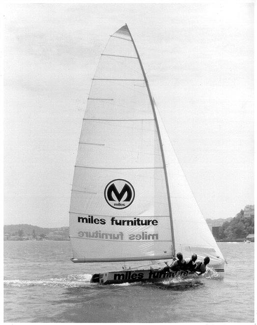 Miles Furniture 1976 © Frank Quealey /Australian 18 Footers League http://www.18footers.com.au
