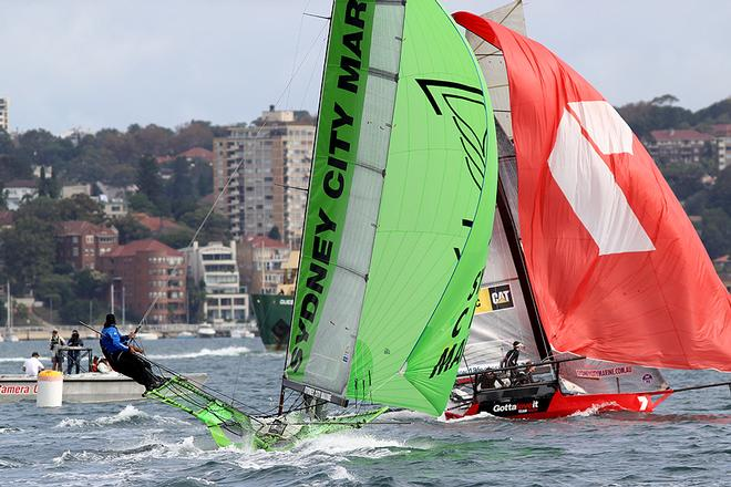 Gotta Love It 7 is slow to drop at the bottom mark - Day 3, JJ Giltinan Trophy, Race 1 © Frank Quealey /Australian 18 Footers League http://www.18footers.com.au