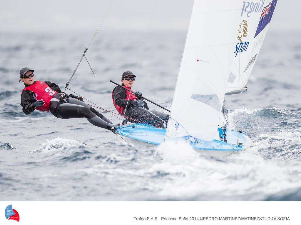 Jo Aleh and Polly Powrie sailing in the Womens 470 on Day 3 of the ISAF Sailing World Cup Palma ©  Martinez Studio / Sofia http://www.trofeoprincesasofia.org/