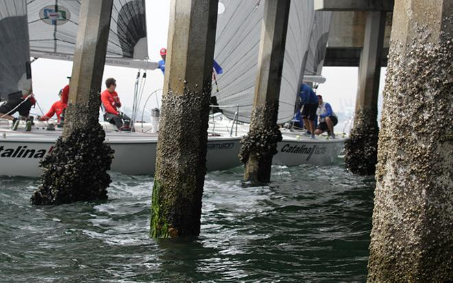 Phil Robertdon (l.) and Taylor Canfield took their pre-start duel almost under the Belmont Veterans Mermorizl Pier. © Rich Roberts