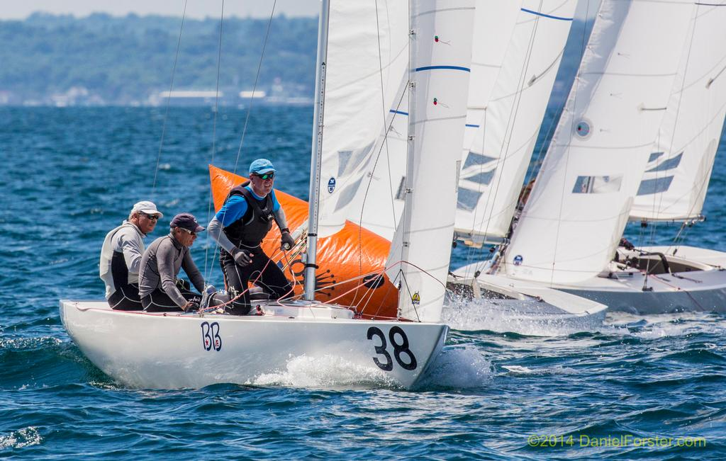 First around the first mark, last race:<br /> 7th overall: John Bertrand / Grant Simmer / Andrew Palfrey<br /> <br /> 2014 Etchells World Championship<br />  &copy; Daniel Forster http://www.DanielForster.com