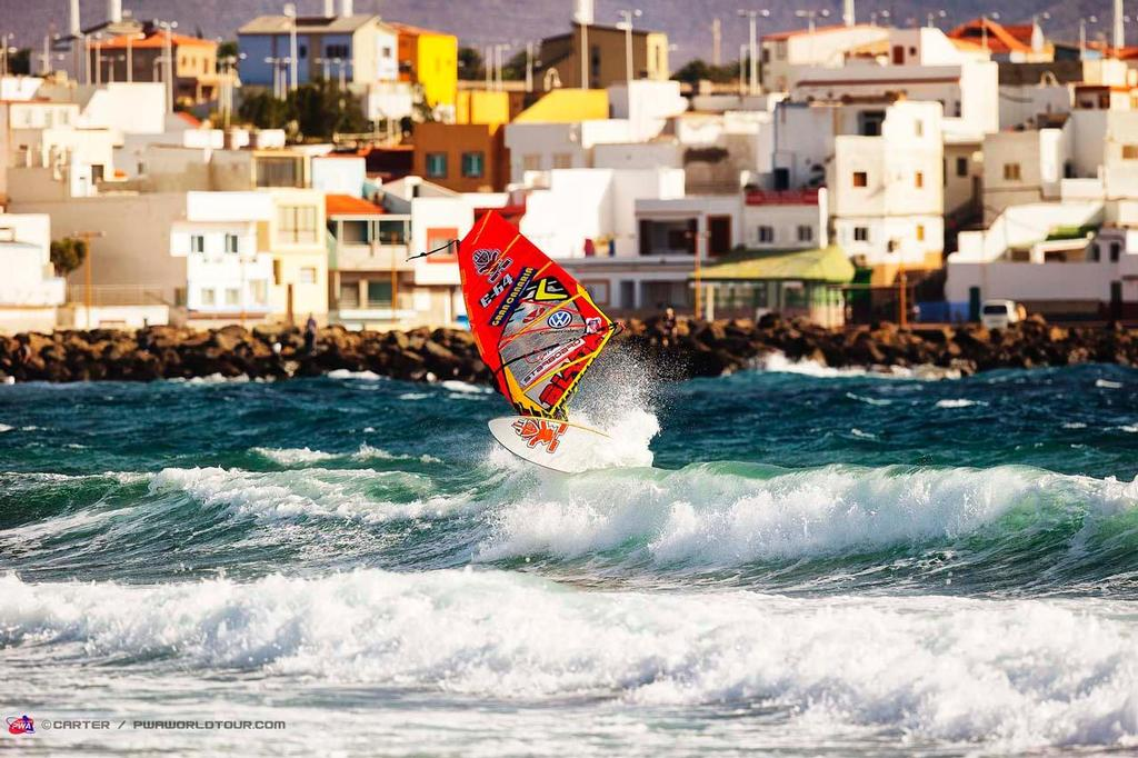 Daida Frontside - 2014 PWA Pozo World Cup / Gran Canaria Wind and Waves Festival ©  Carter/pwaworldtour.com http://www.pwaworldtour.com/