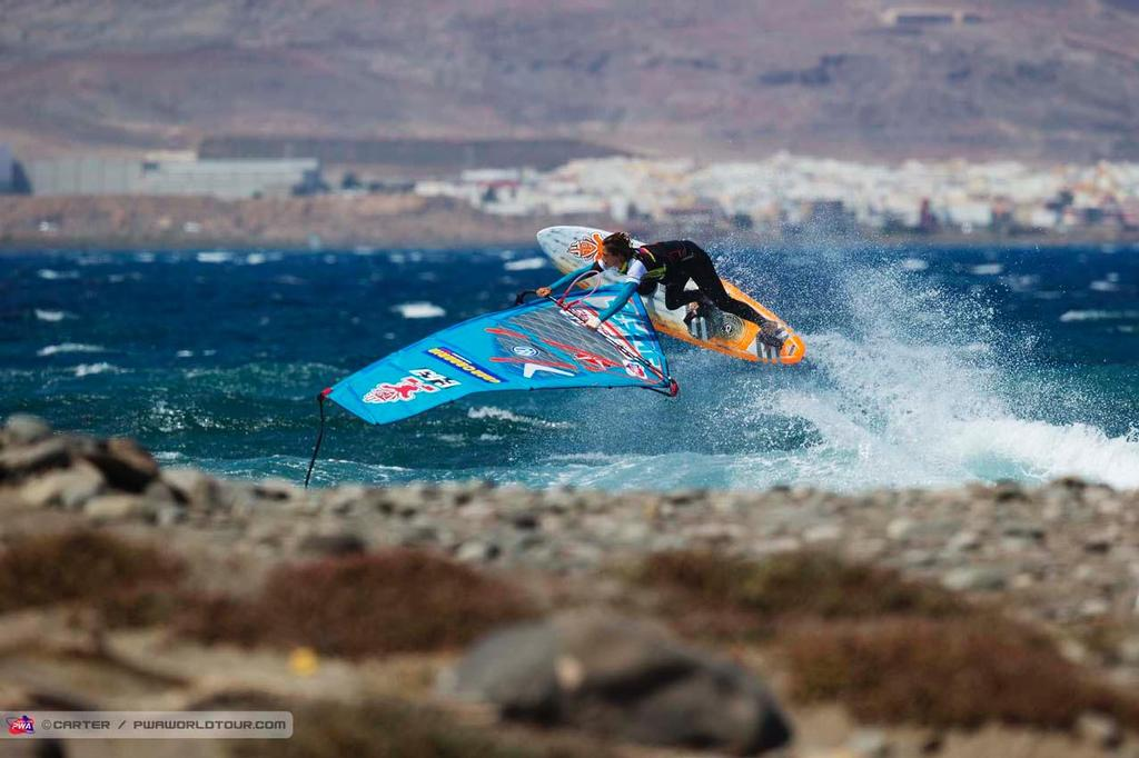 Iballa Moreno on fire - 2014 PWA Pozo World Cup / Gran Canaria Wind and Waves Festival ©  Carter/pwaworldtour.com http://www.pwaworldtour.com/