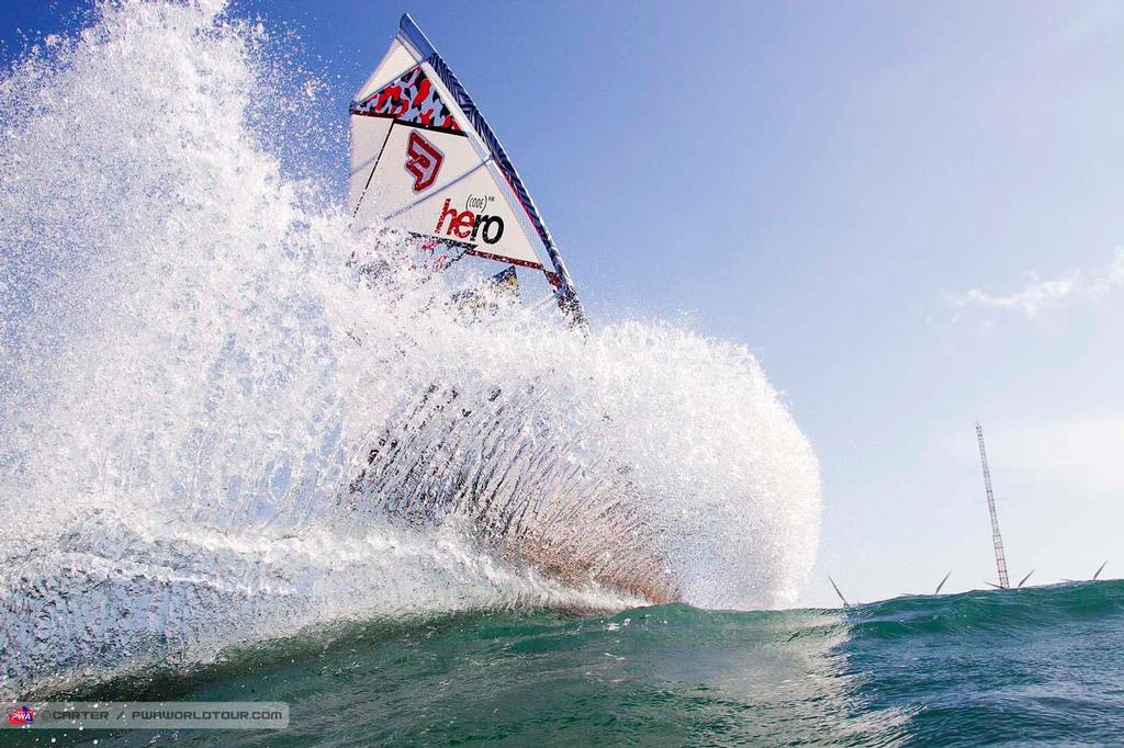Victor Fernandez slash - 2014 PWA Pozo World Cup / Gran Canaria Wind and Waves Festival ©  Carter/pwaworldtour.com http://www.pwaworldtour.com/