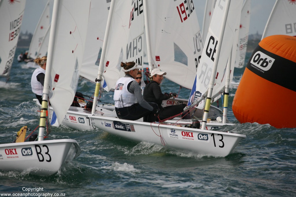 Tight racing on Day 6 of the Womens Laser Radial World Championships ©  Will Calver - Ocean Photography http://www.oceanphotography.co.nz/
