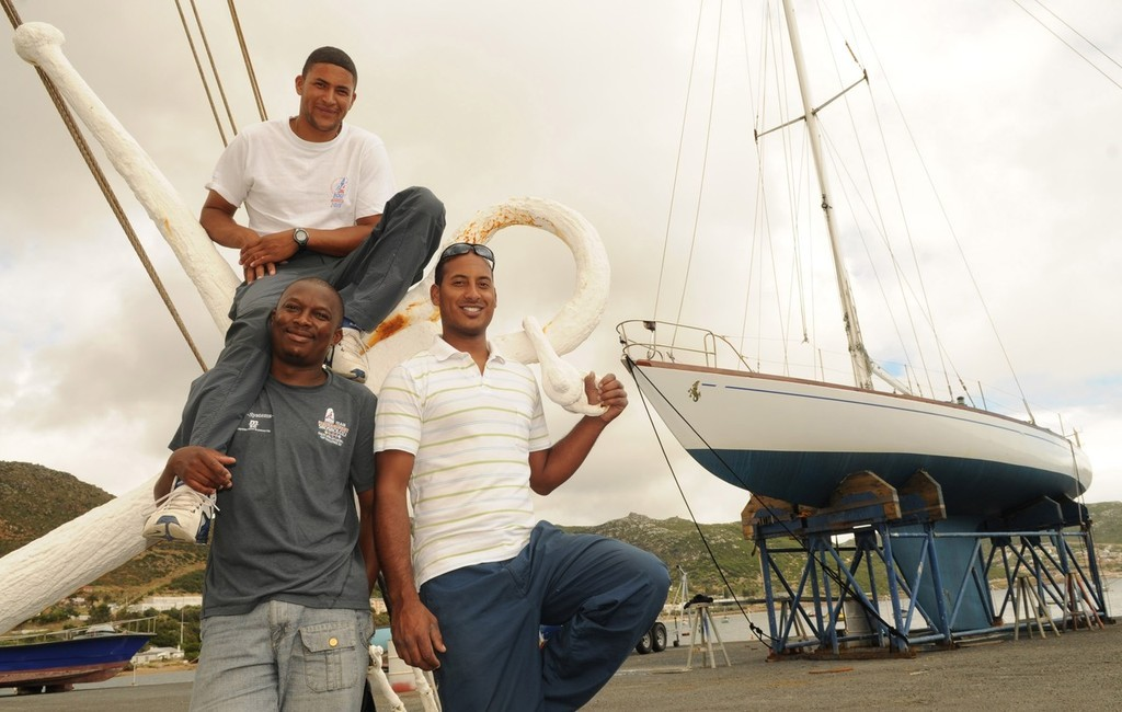 Marcello Burricks, skipper ably assisted by his enthusiastic crew  (left) Eric Ntetana and (right) Kader Williams - 2009 Heineken Cape to Bahia © Voortrekker .