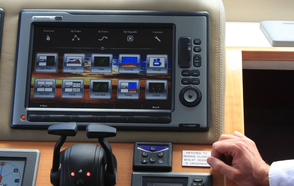Raymarine delivers the best of both - with Hybrid Touch screens