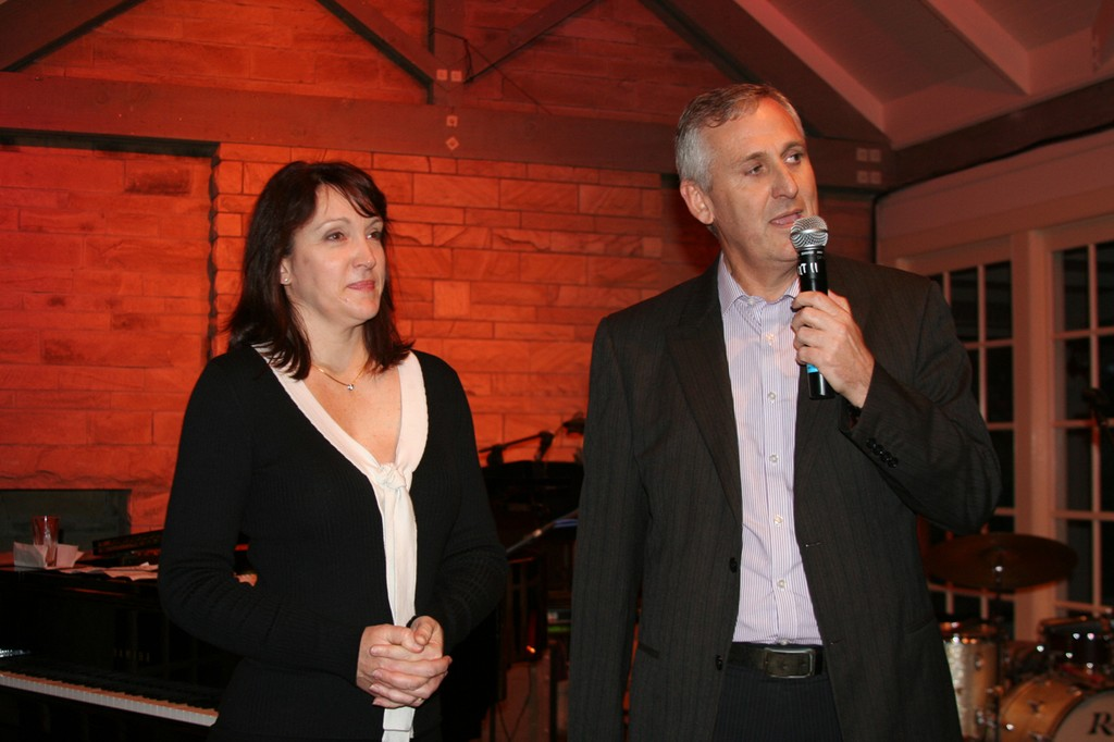 Sharon Russell and Don Jones thank Barry on behalf of Marine Qld. © Jeni Bone