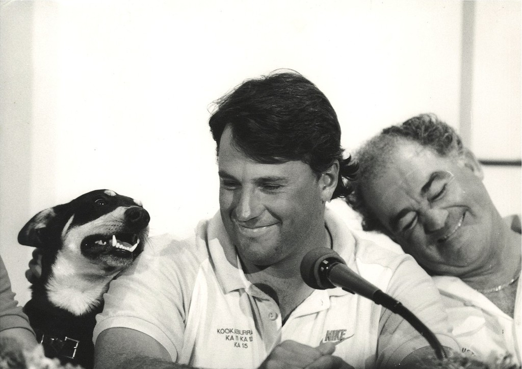 1987 America's Cup: Defending skipper, Iain Murray (AUS) with dog Cliff and team principal Kevin Parry (right) © SW