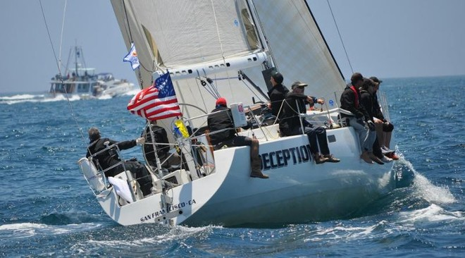 Deception enters the course © Kimball Livingston/Transpac