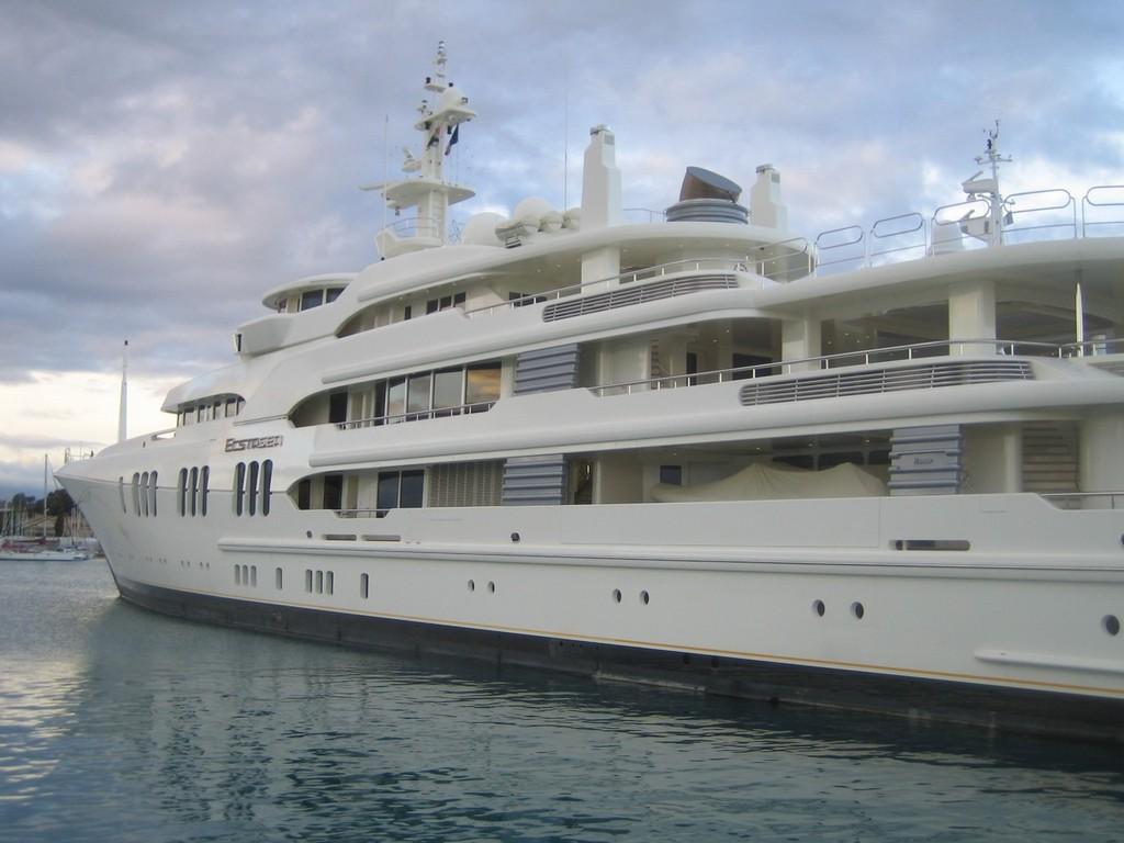 Russian Billionaire S Yacht Enrages Venice