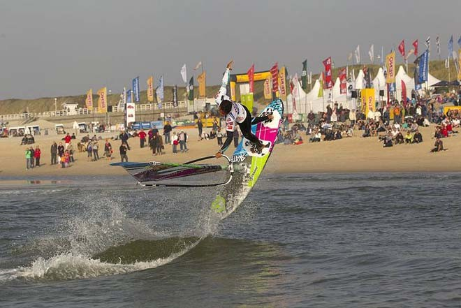 Gollito one handed - PWA Reno World Cup Sylt Grand Slam 2011 Day 2 © PWA World Tour http://www.pwaworldtour.com