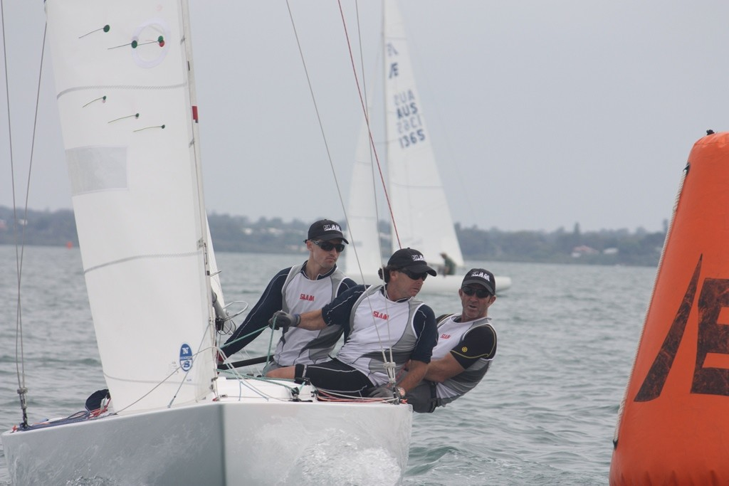 Matthew Chew and his Gen XY team lean into top mark in the light airs - Etchells Queensland Championship 2011 © Tracey Johnstone
