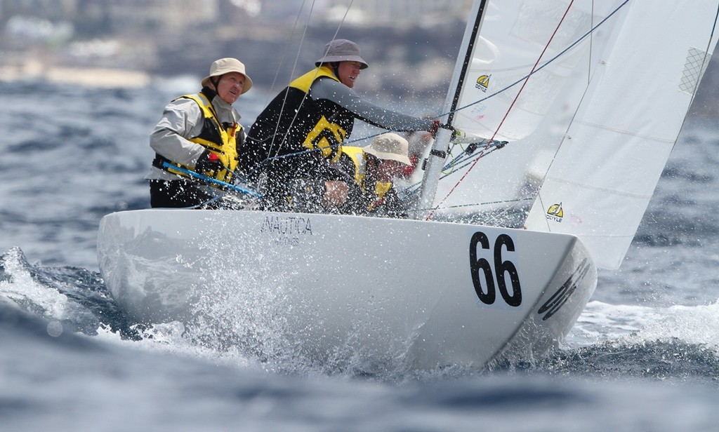 Race three winner Jud Smith helming Roulette to the windward mark - Etchells World Championship 2012 © Ingrid Abery http://www.ingridabery.com