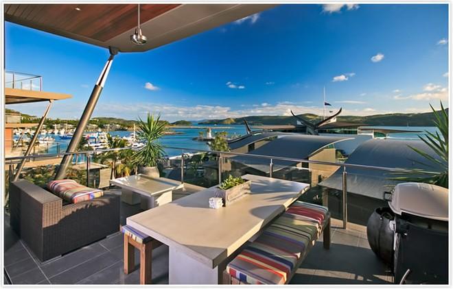 Hamilton Island Yacht Club Villa