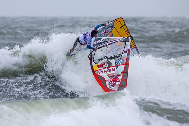 Koster one handed - 2012 PWA Sylt World CUp ©  John Carter / PWA http://www.pwaworldtour.com