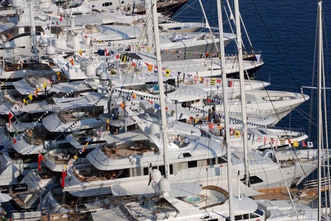 Plenty of sailing yachts for sale ©  SW
