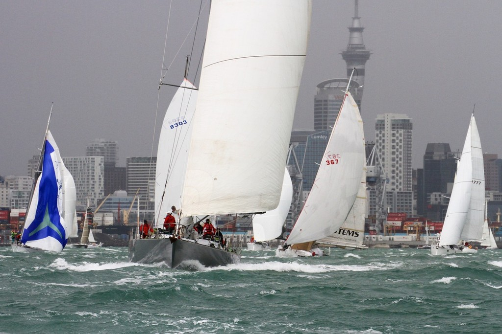 2012 Coastal Classic Start -  © Richard Gladwell www.photosport.co.nz