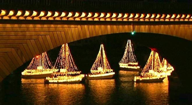 Fort Lauderdale Christmas Boat Parade.Boat Parade Time Across America And In Mooloolaba
