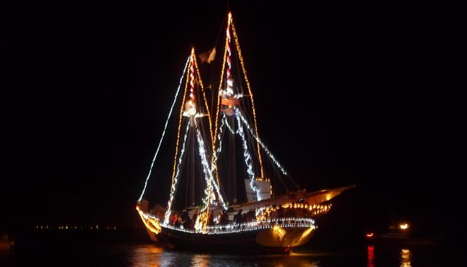 Boat parade in Florida ©  SW