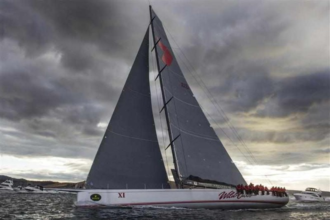 Wild Oats XI on the final approach to Hobart on the morning of 27 December © ROLEX-Carlo Borlenghi