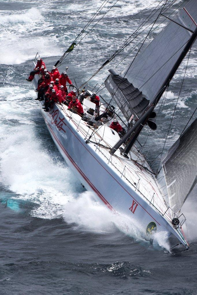 Wild Oats XI surges out of Sydney Harbour - Wild Oats XI: The Avenger  ©  Andrea Francolini Photography http://www.afrancolini.com/