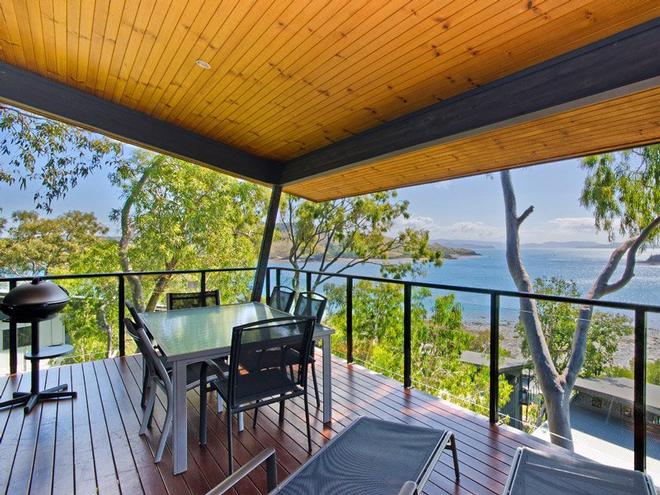 Enjoy the open plan design and stunning views that the Shorelines apartments have to offer © Kristie Kaighin http://www.whitsundayholidays.com.au