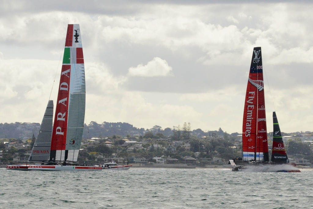 NZA is around in front by a handy margin with Luna Rossa tacking to  round. Big bury of the bow as ETNZ accelerates through the