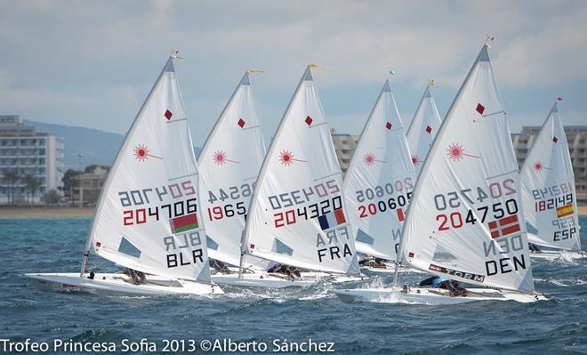 2013 ISAF World Cup Circuit - Hyeres - ISAF Sailing World Cup 2013 © Alberto sanchez