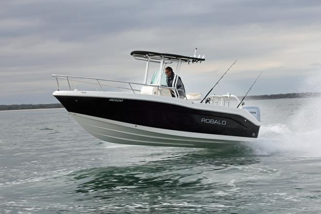 Class with a smile - Robalo R200