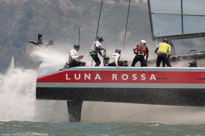 Luna Rossa training on san Francisco Bay © ACEA/ Bob Grieser http://photo.americascup.com/