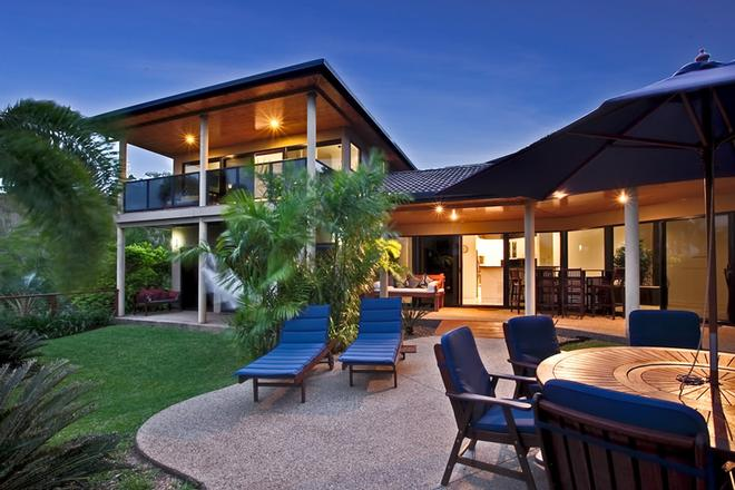 The Palms is an enormous 4 bedroom home with stunning ocean views back towards Catseye Beach! © Kristie Kaighin http://www.whitsundayholidays.com.au