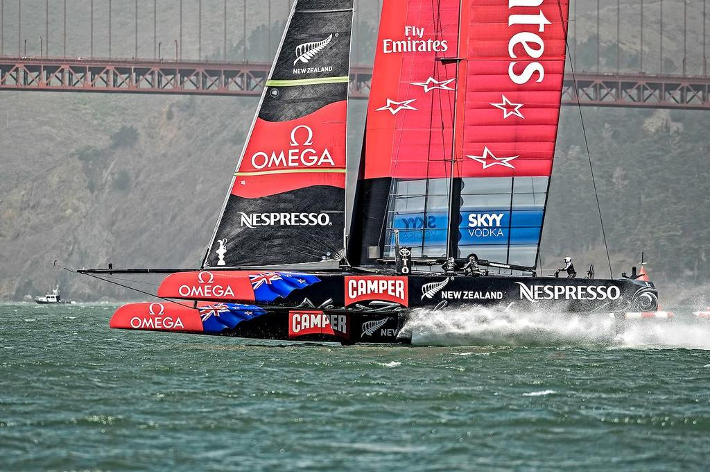 Emirates Team New Zealand skippered Dean Barker (NZL) wins over  Luna Rossa skippered by Massimiliano Sirena (ITA) by 5.23 minutes.  © Paul Todd/Outside Images http://www.outsideimages.com