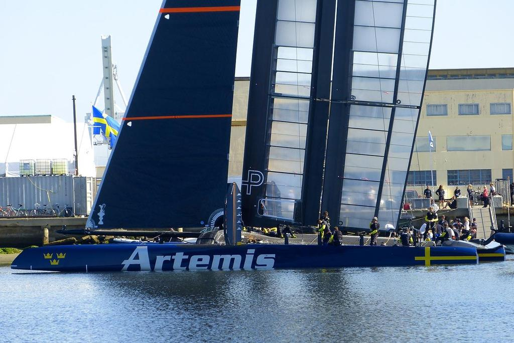 Leaving the dock - Artemis Racing - Blue Boat - First Sail, July 24, 2013 © John Navas