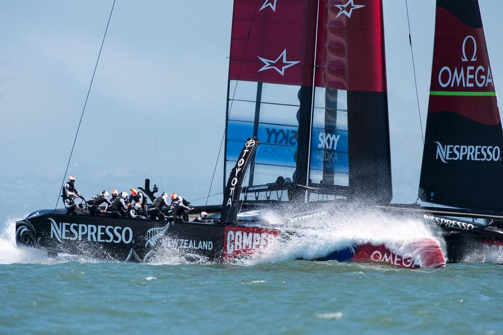 Emirates Team New Zealand on the final reach to the finish line in their Round Robin 3 match against Artemis Racing in the Louis Vuitton Cup 2013. 18/7/2013 © Chris Cameron/ETNZ http://www.chriscameron.co.nz