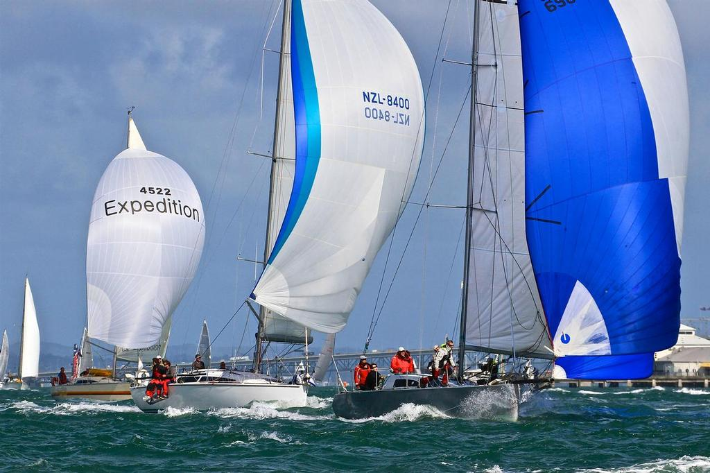 Start of PIC Coastal Classic - October 21, 2016 - - photo © Richard Gladwell www.photosport.co.nz