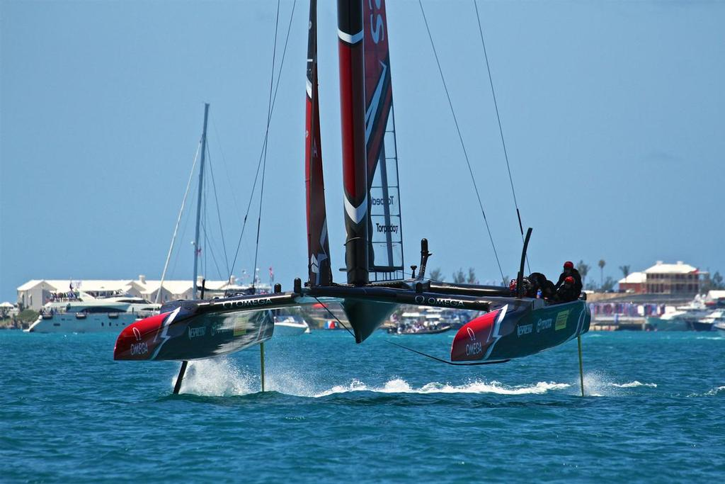 Emirates Team New Zealand and Oracle Team USA - 35th America's Cup Match - Race 3 - Bermuda  June 18, 2017 © Richard Gladwell www.photosport.co.nz