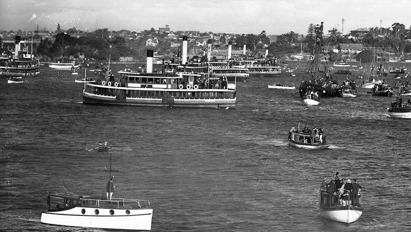 1935 scene with seven spectator ferries at a League 18 footers race - photo © Archive