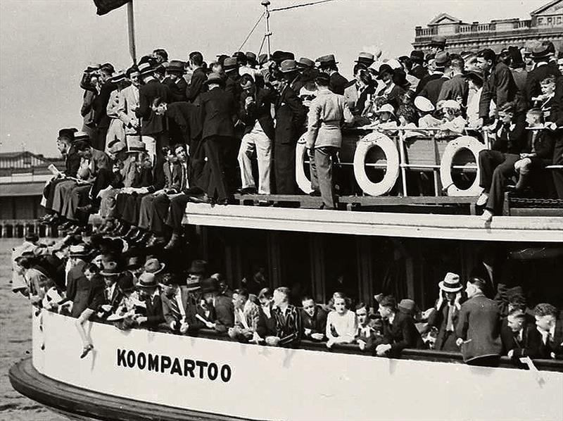 18 Footer Spectator Ferry Koompartoo in 1938 - photo © Archive