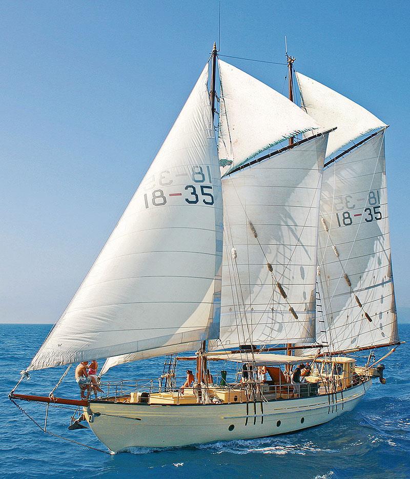 The pole masted, gaff rigged, topsail Schooner, Derwent Hunter. - photo © Tallship Adventures
