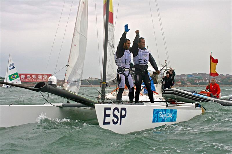 2008 Olympic Regatta - TV camera positioned in the extreme end of the Spanish Tornado cat - photo © Richard Gladwell